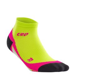 CEP_low_cut_socks_limepink_WP4A70_w_single_72dpi